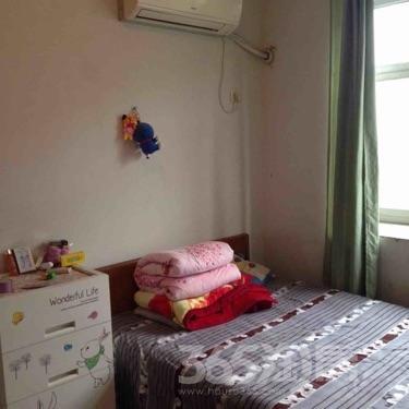 戎兴苑1室2厅1卫18平米合租简装