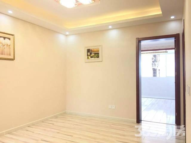 滨江东苑2室1厅1卫66.8平方产权房精装