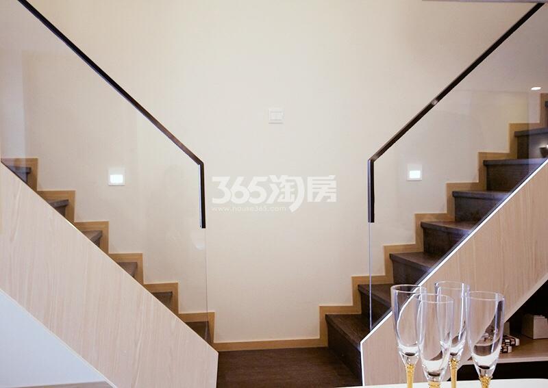 和昌云潮38方样板房——楼梯