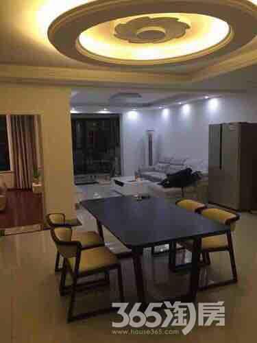 白马湖山庄3室2厅1卫116平米豪华装产权房2015年建