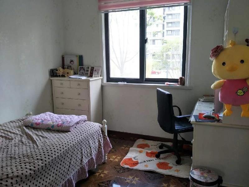 骋望七里楠3室2厅1卫108平方产权房精装