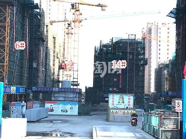 蓝光雍锦里高层6#、14#楼实景图(2017.12 摄)