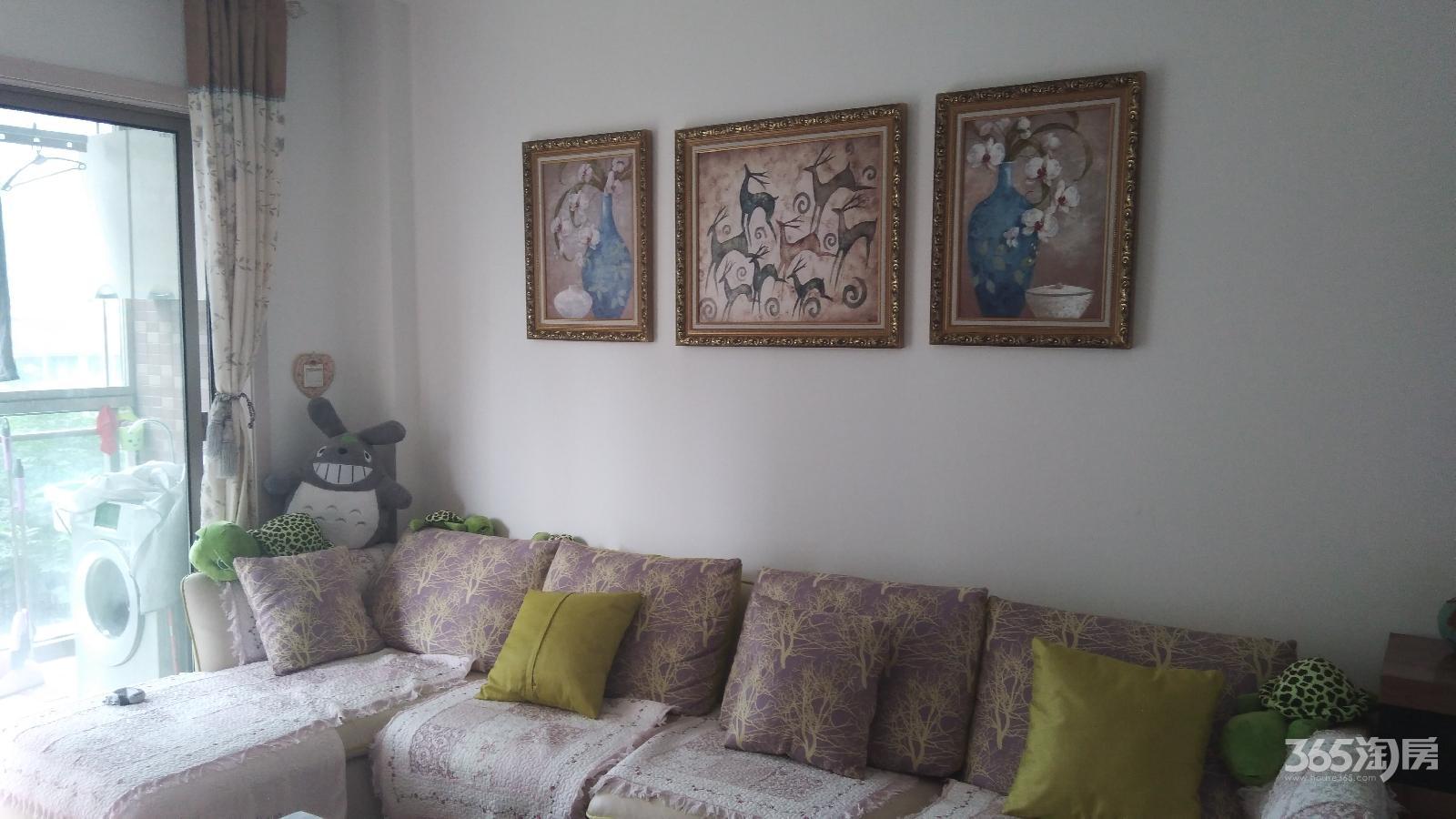柏庄丽城3室2厅1卫107平方产权房精装