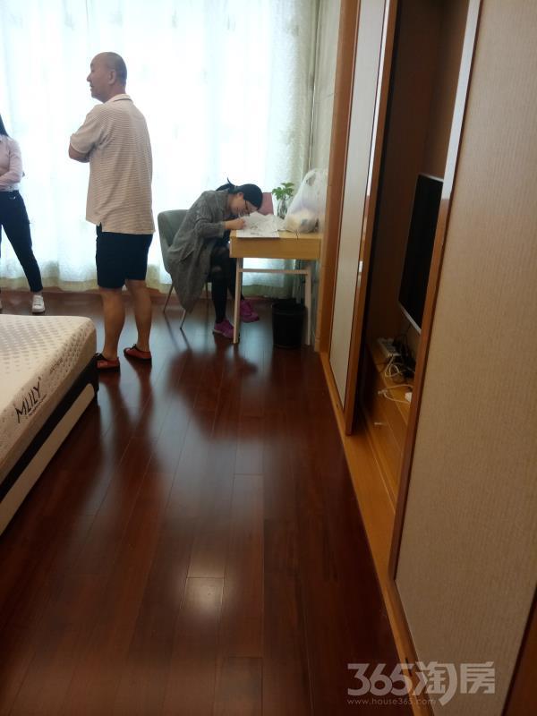 苏州中心8号1室1厅1卫50平米整租精装