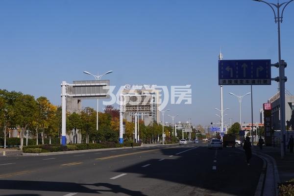 恒大翡翠华庭 停车场 201711