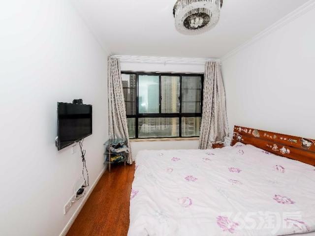 合景领峰、精装修三房、地 铁 口、拎包入住、楼层适中、急售