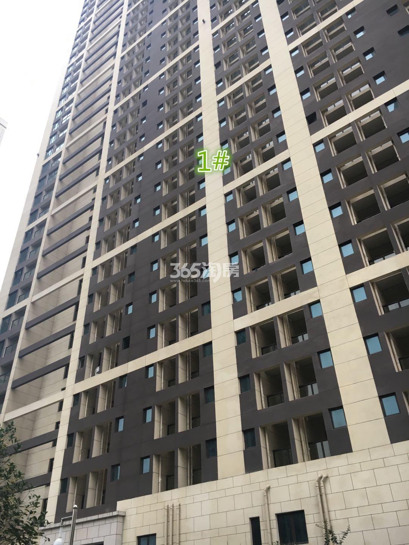 东方万汇城南区1号楼外立面实景图(11.15)