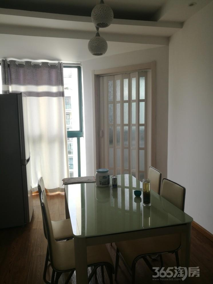 江岸明珠3室2厅1卫103平米整租豪华装