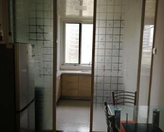 碧水兰庭3室2厅1卫110�O整租简装