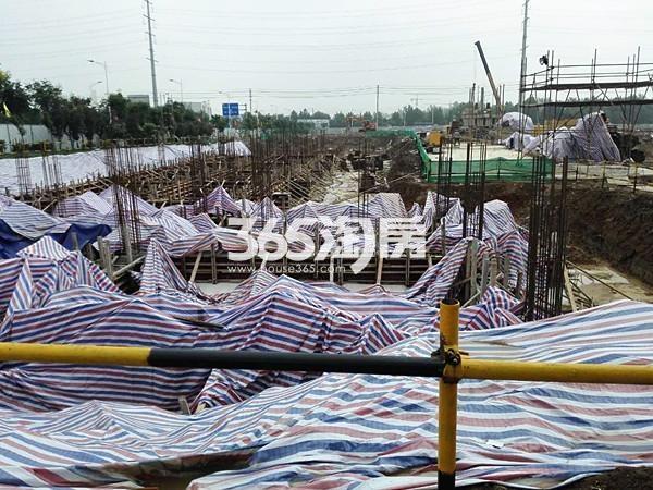 珍宝岛熙悦府南地块公寓地基在建实景图(9.8)