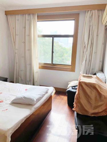 泰州沁莲花园3室2厅2卫115平米