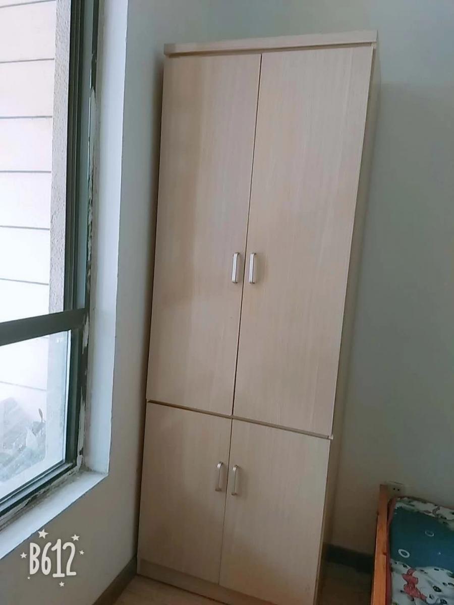 御龙湾个人出租非隔断次卧天鹅湖万达广场广电中心