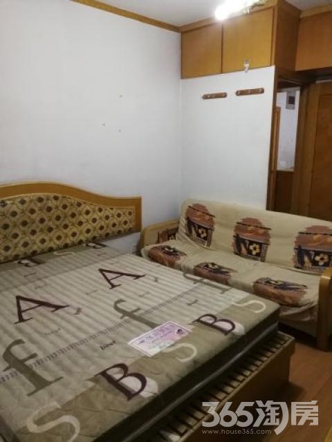俞家巷小区2室1厅1卫62平米整租简装