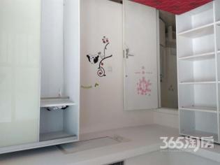 精装1室1厅1卫58平方产权房有两面窗户的全景房