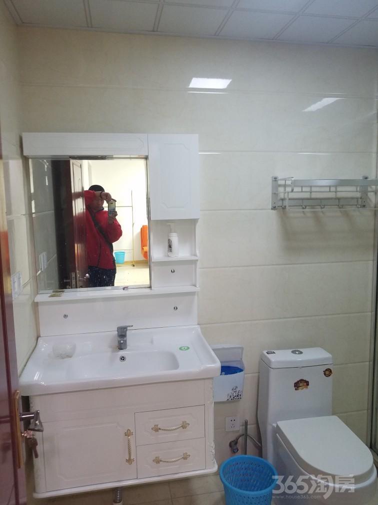 东方温莎小镇2室1厅1卫89平米整租精装