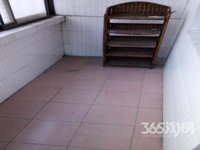 2号线三香广场站地铁口附近三香新村吉屋出售,现钥看房。