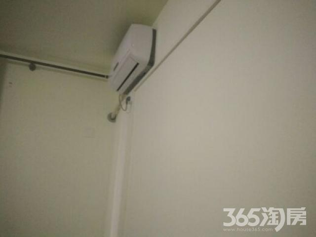 凤锦苑4室2厅2卫25平米合租精装