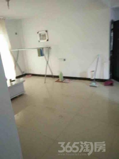 香江花城3室2厅1卫117平米简装使用权房2010年建满五年