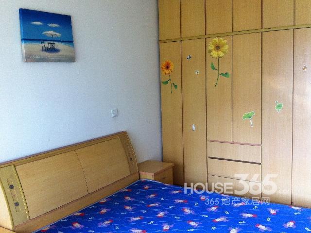 学府名门1室1厅1卫45.00�O整租精装