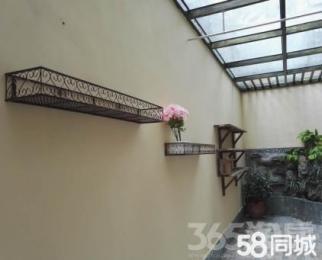 卢卡美郡花园洋房外国语旁边 三层带花园天井实得面积300平方