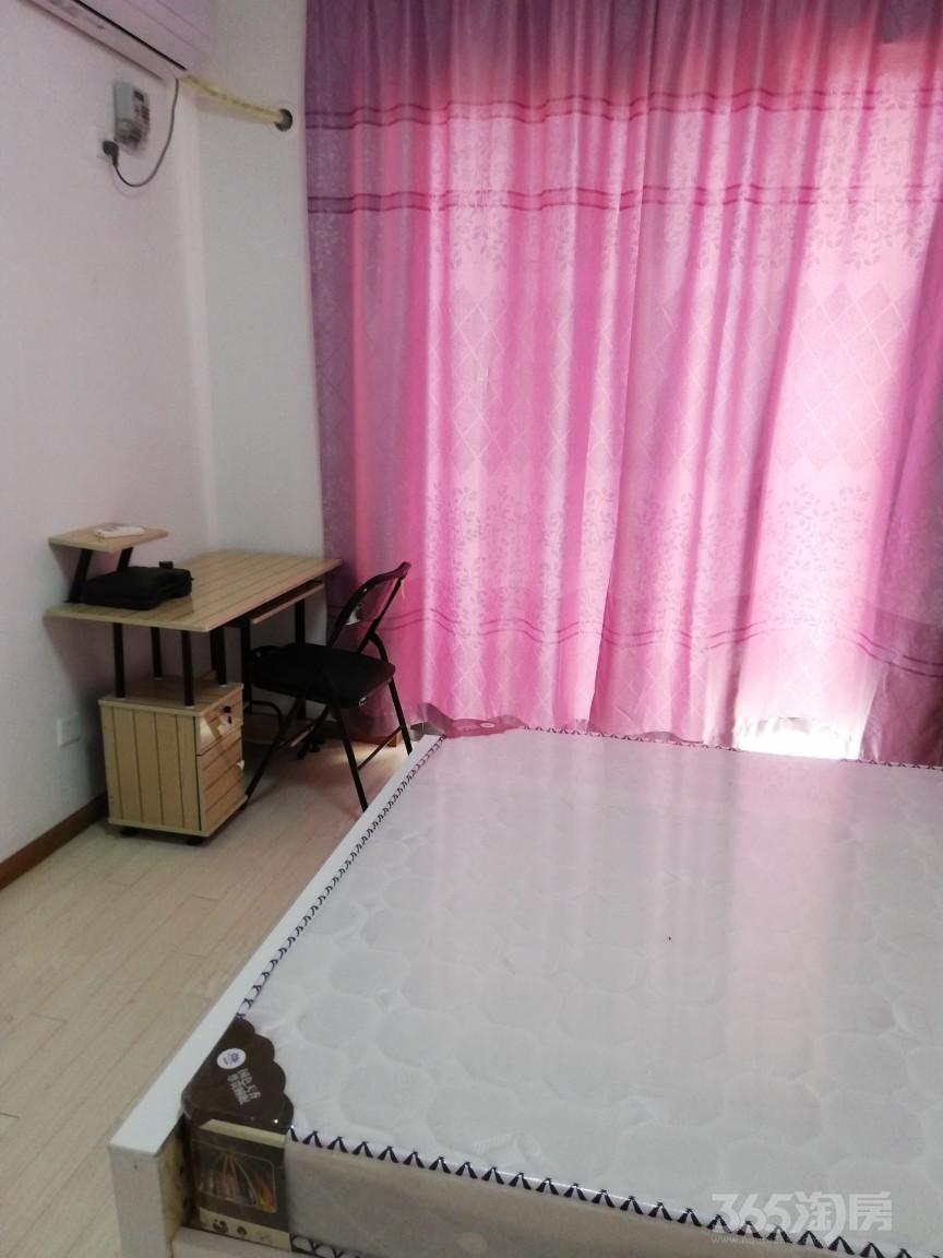 白马湖公寓3室2厅2卫16平米合租精装