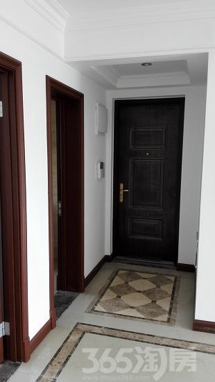 中海玺园3室2厅2卫118.4�O2016年产权房精装