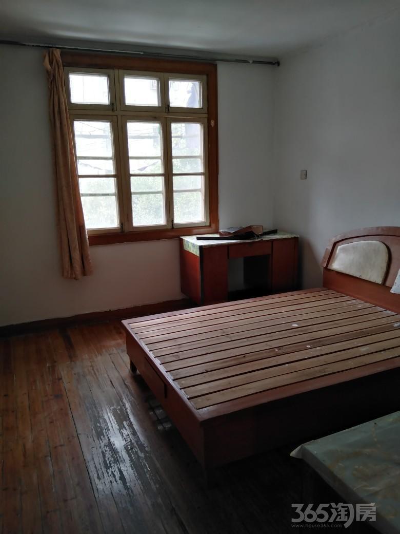 青年小区3室1厅1卫80平米整租中装