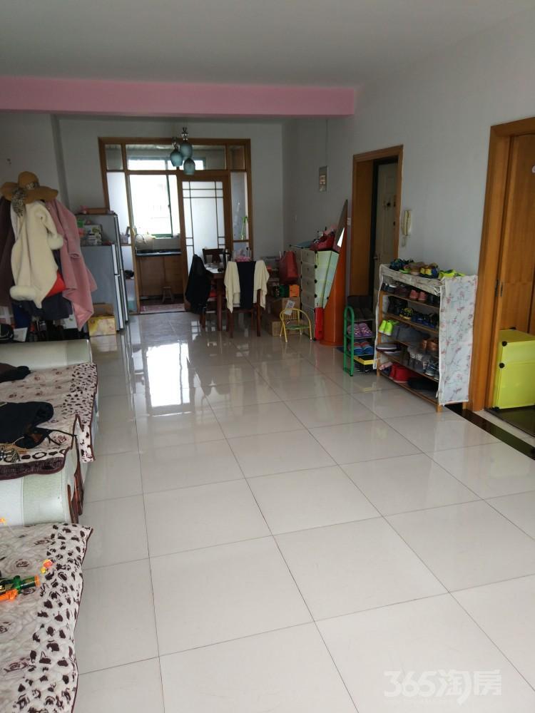百合园3室2厅1卫104平米双语学区房