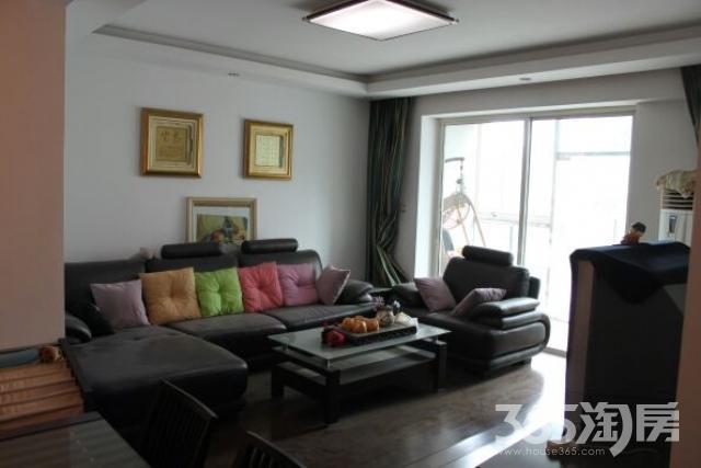 圣淘沙花城3室2厅2卫144.93平米整租精装