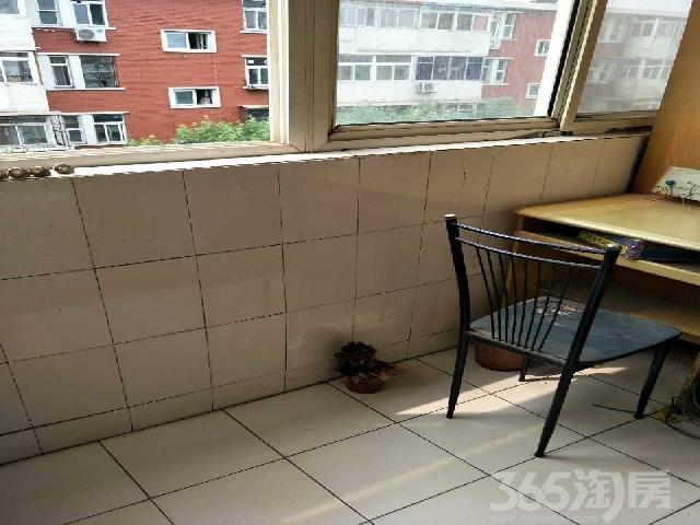 新昆仑里1室1厅1卫43.14�O整租中装