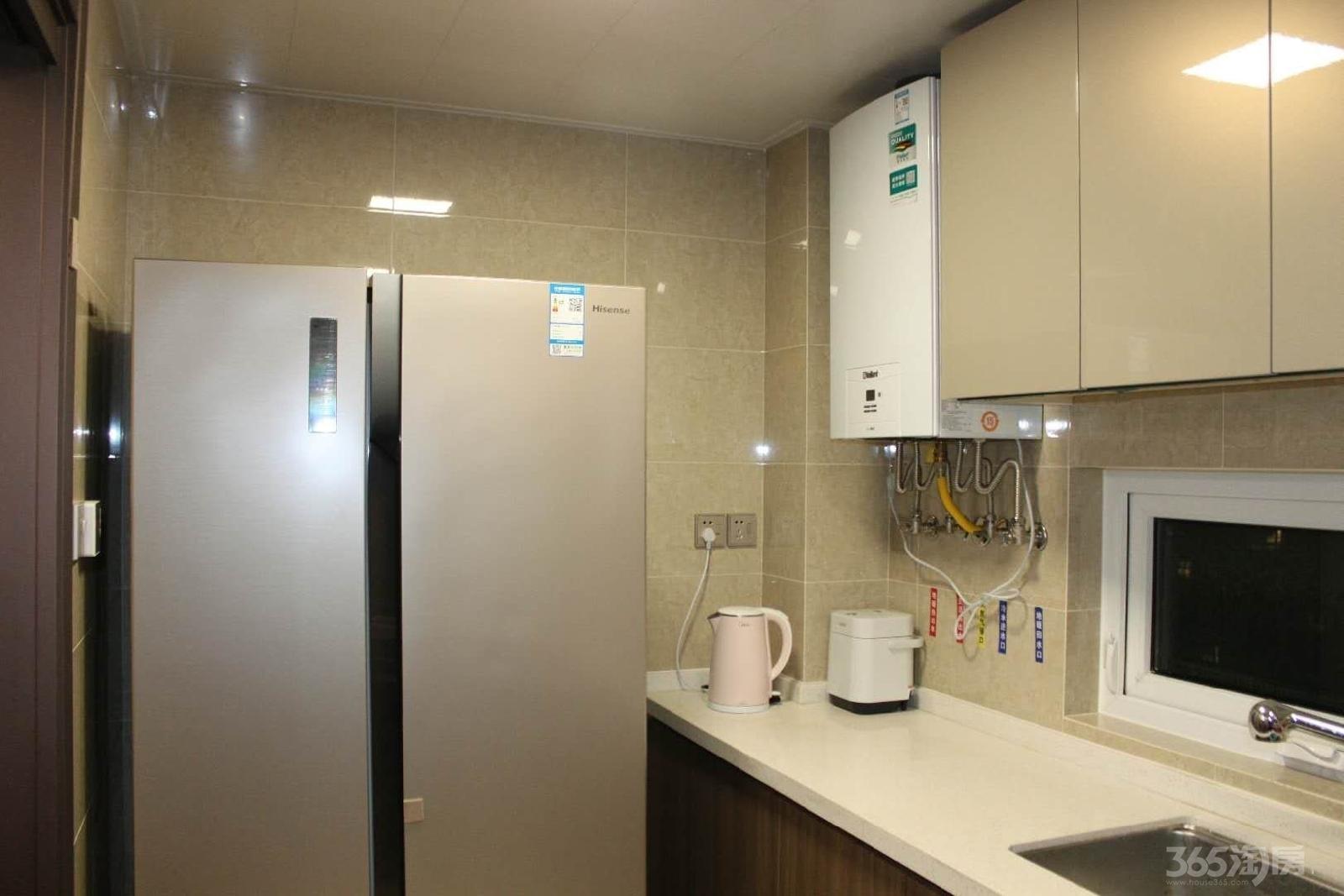 万科翡翠公园3室2厅2卫小区中间学区房