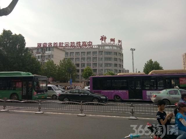 二七区核心商圈,5米层高,买一层得两层产权商铺