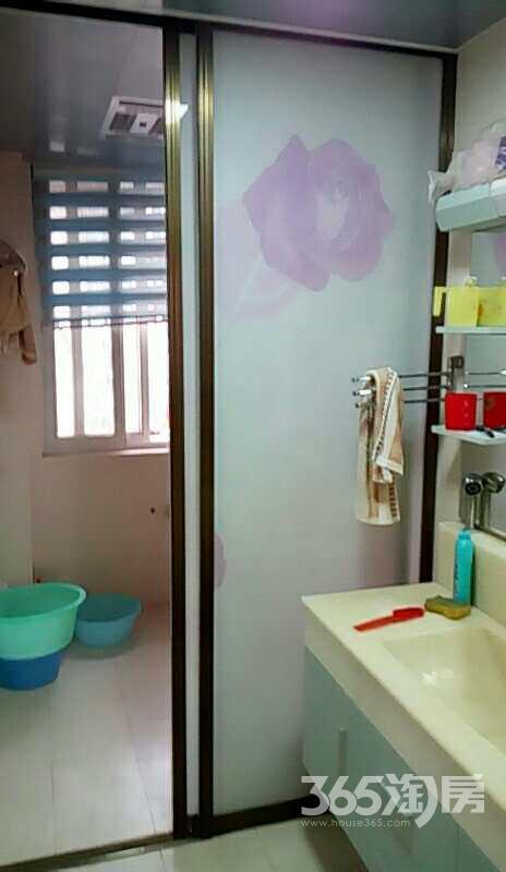经开区大圣小区3室1厅1卫110平方使用权房豪华装