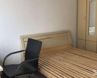 金色水岸 简单装修 独立卫生间 第一次出租