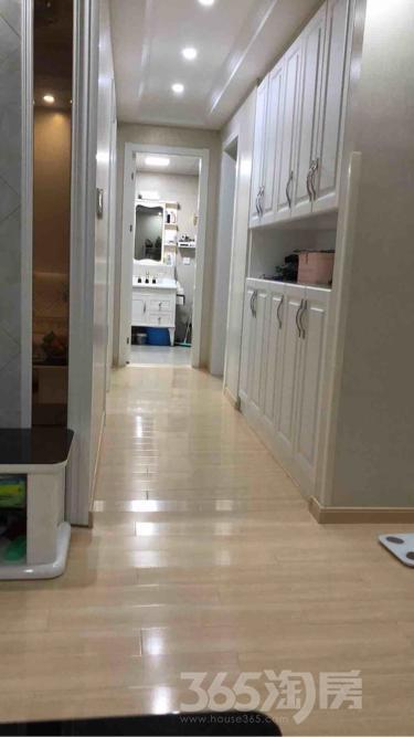 翠屏城3室1厅1卫86平米豪华装产权房2016年建