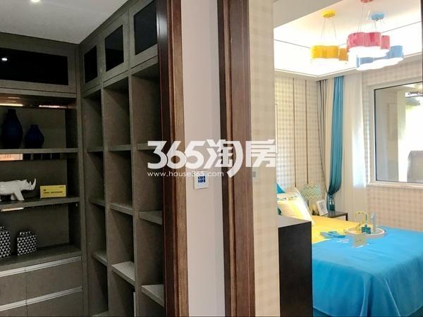 阳光100阿尔勒·星空洋房134平C1户型样板间储藏室、儿童房