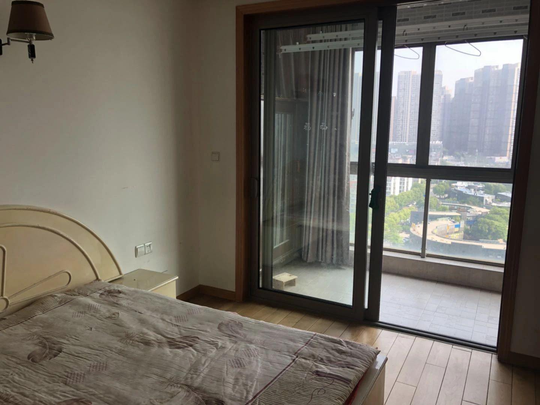 世茂滨江花园高层精装修观景房,全套设施家电,拎包入住