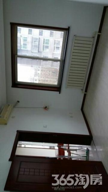 紫郡城秋实园1室1厅1卫64平米2007年产权房精装