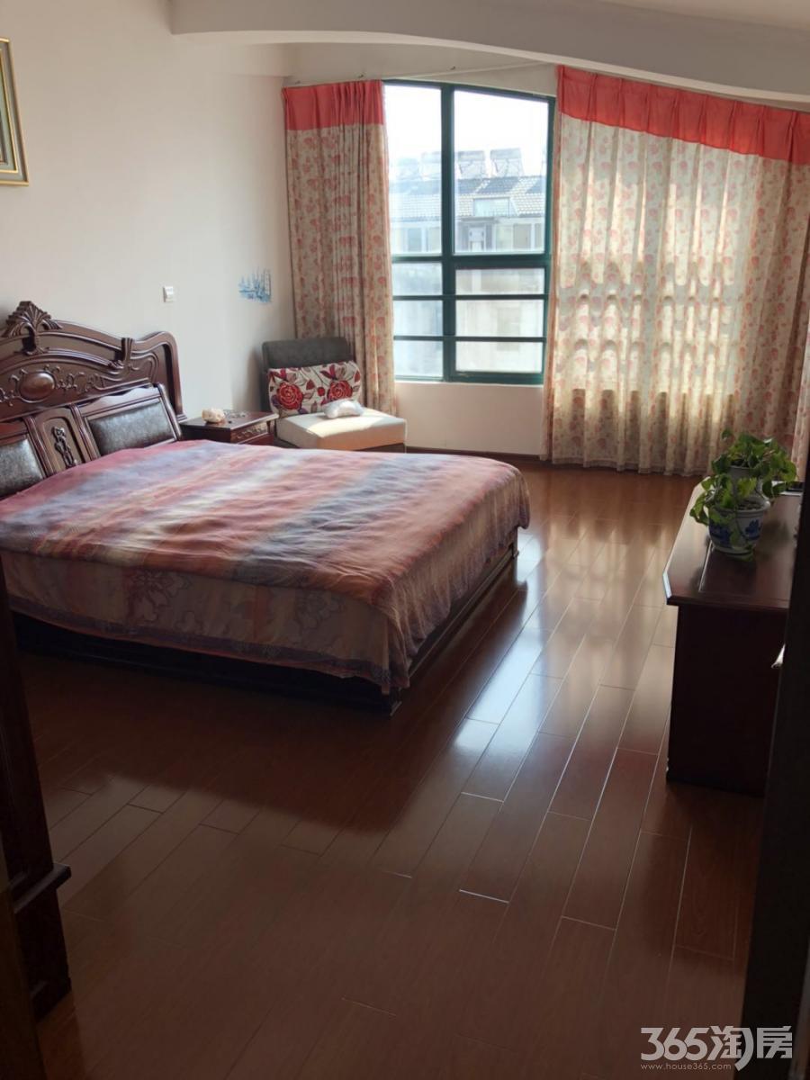 盘锦花园5室2厅2卫114平方产权房精装
