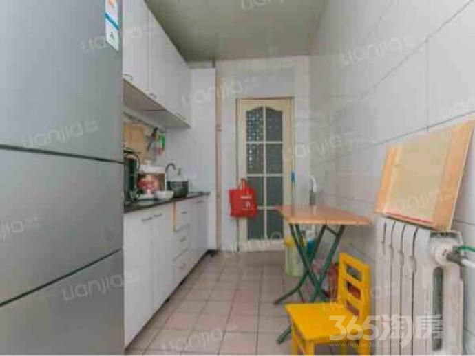 金杰里2室2厅1卫97.1平米简装产权房2002年建
