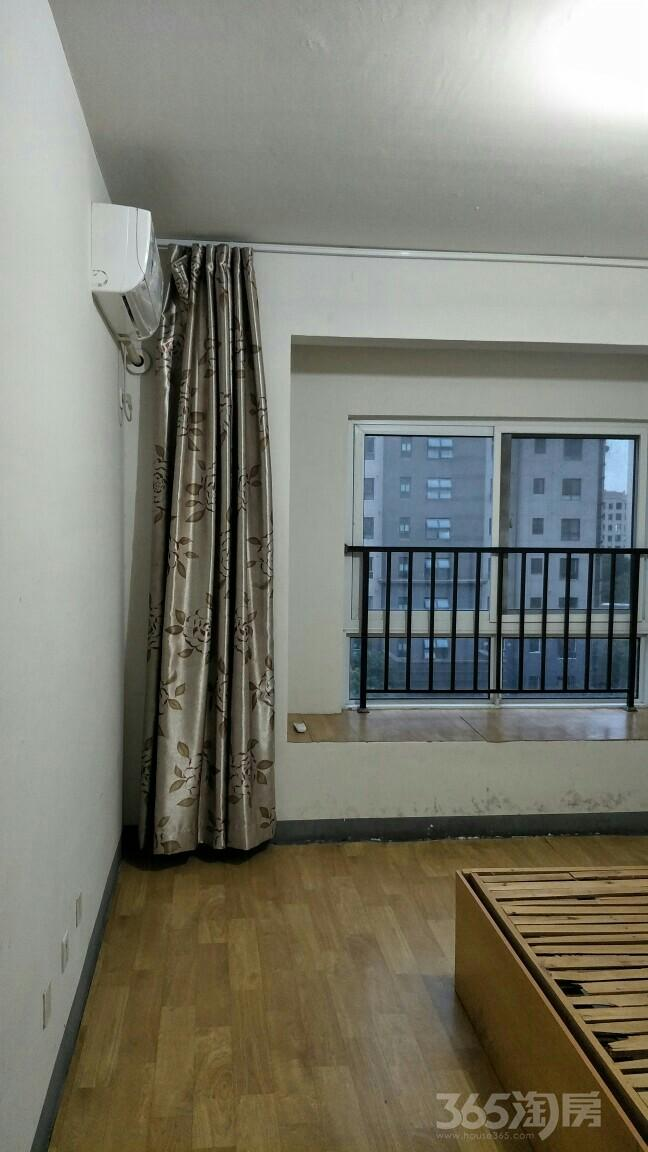 苏宁环球城市之光3室2厅1卫105平米整租简装