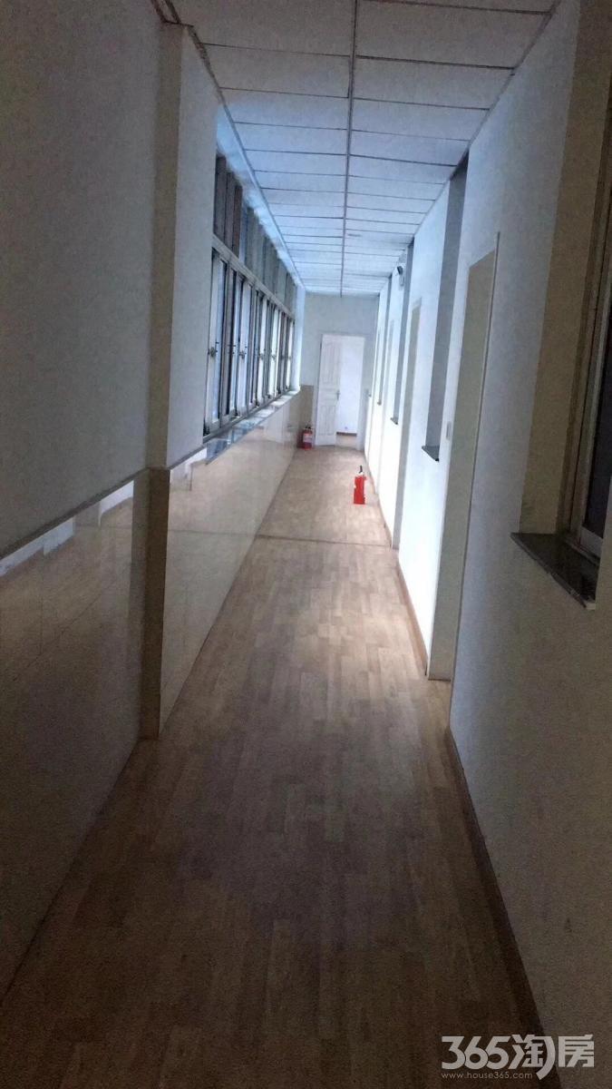 开元大酒店对面写字楼可办公200㎡整租简装
