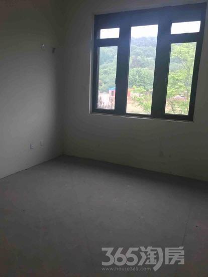 大吉公元6室2厅3卫250平米毛坯产权房2015年建