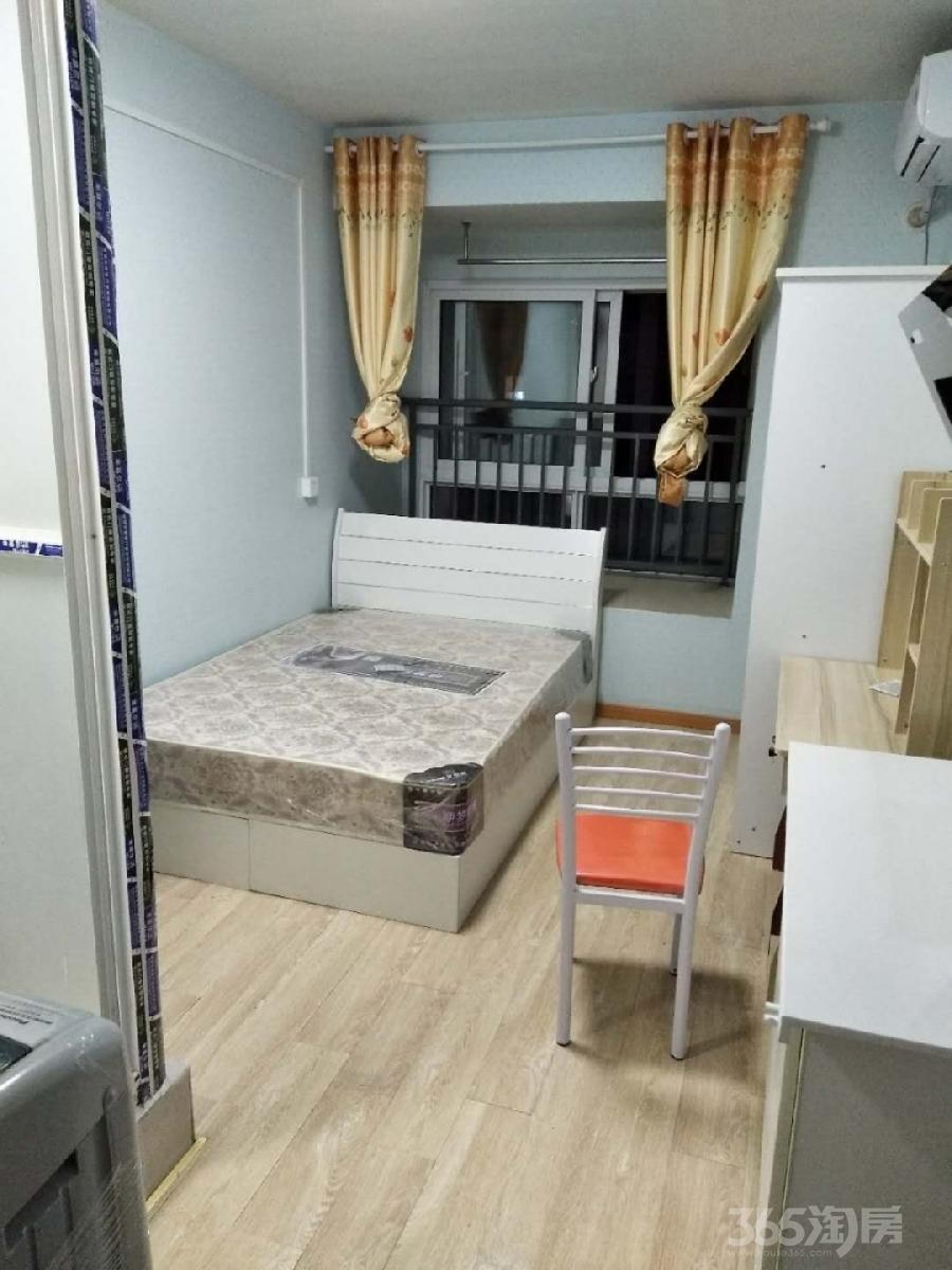 秦湾景园1室0厅1卫15平米整租精装