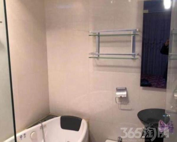 百合新城3室2厅2卫140�O整租精装