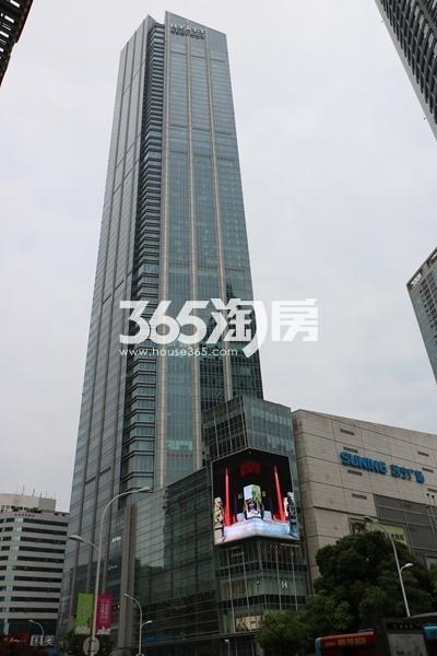 苏宁广场实景图(2017.6 摄)