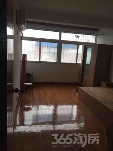 欣乐新村小区低价三房 拎包入住