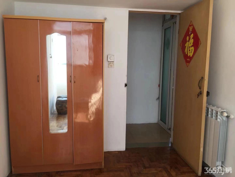 师大凤凰山宿舍2室1厅1卫68㎡整租中装