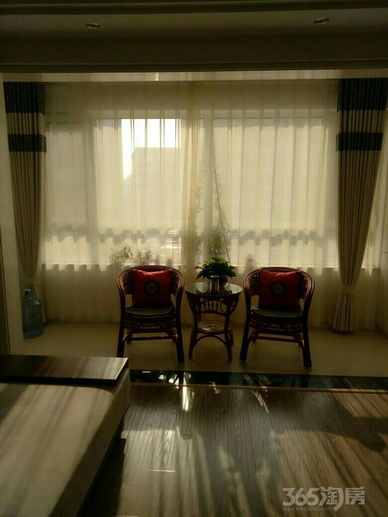 海信盈城2室2厅1卫97平米2002年使用权房中装