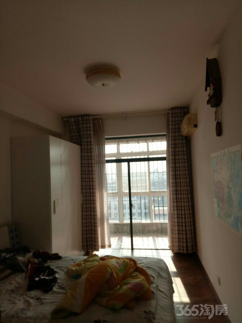 济南路商贸园5室3厅4卫300平米2003年使用权房毛坯